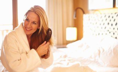 Прически, которые молодят женщину после 40 - фото