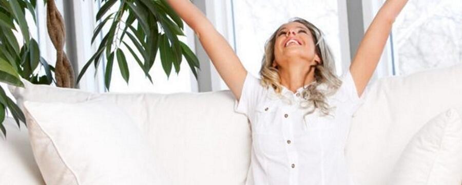 Гормональная терапия способна существенно уменьшить не только силу и частоту приливов, но и и другие симптомы гормонального дисбаланса