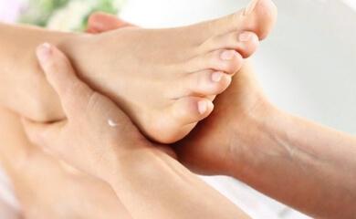 Почему опухают ноги в щиколотоках - причины и лечение отеков у женщин