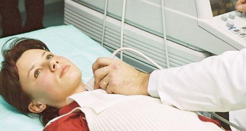 УЗИ покажет увеличенный размер щитовидной железы