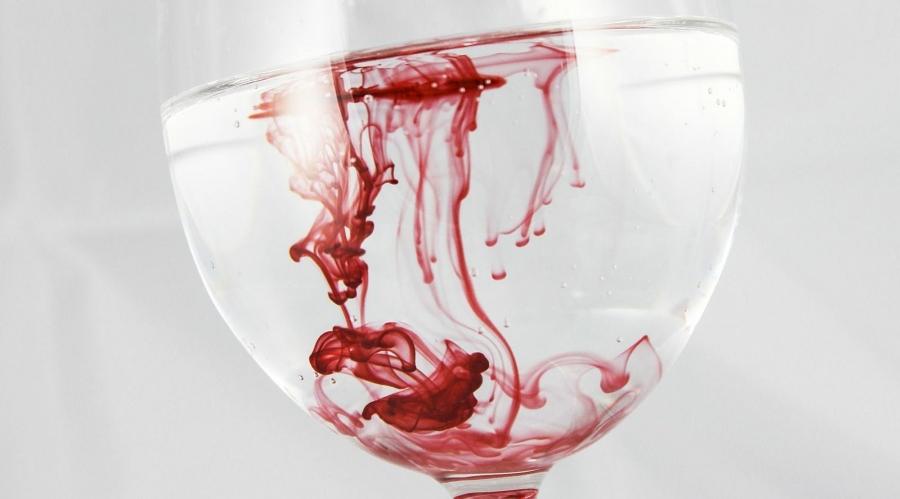 Симптомы повышенного гемоглобина в крови у женщин зависят напрямую от причины, вызвавшей это состояние