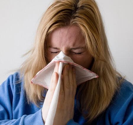 Сок мандарина имеет раздражающее действие для почек и слизистой ЖКТ.