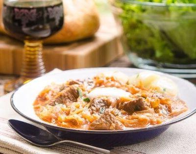 Как приготовить тушеную капусту (квашеную) с мясом