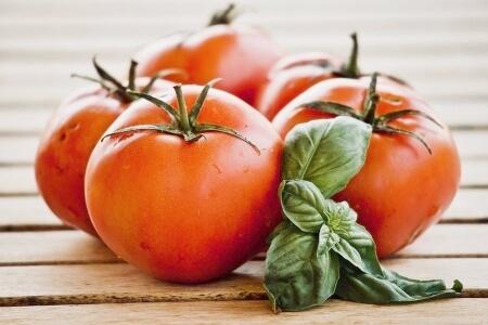 Польза помидоров для организма женщины