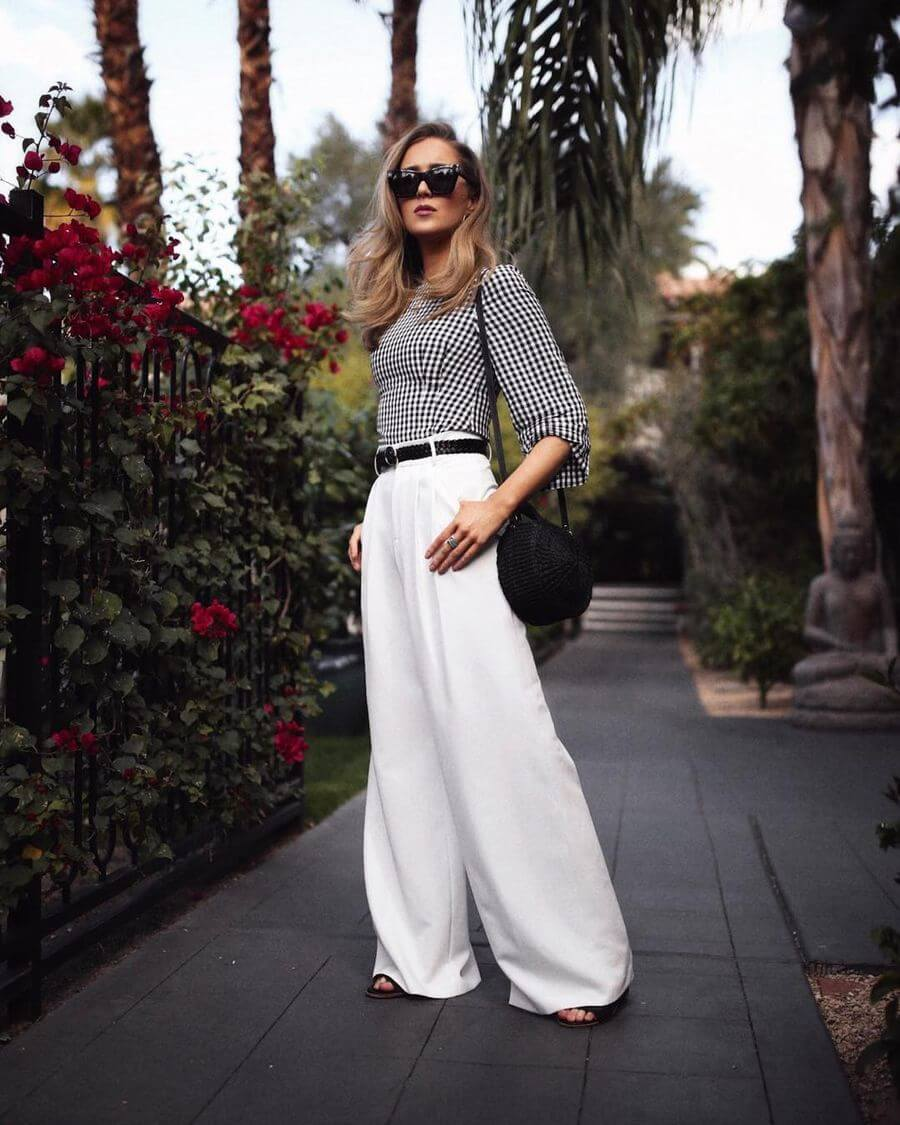 Эффектно смотрятся эти шелковые и атласные брюки и с разными принтами