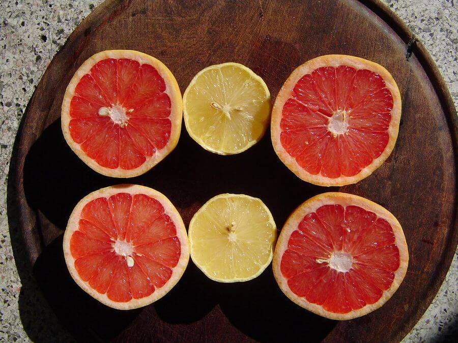 Помело и грейпфрут