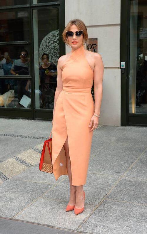 Дженнифер Лопес: платье А-силуэта подчеркнет узкую талию и стройные плечи