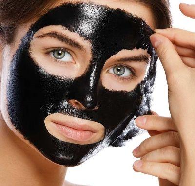 Угольная маска для лица в домашних условиях